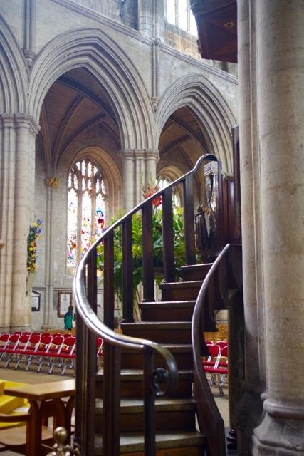 北イングランドの英国ガーデンをめぐる旅その23 マーケットの町リポンとリポン大聖堂、そしてラッパ吹き!(ヨークシャー州)_e0114020_00074988.jpg