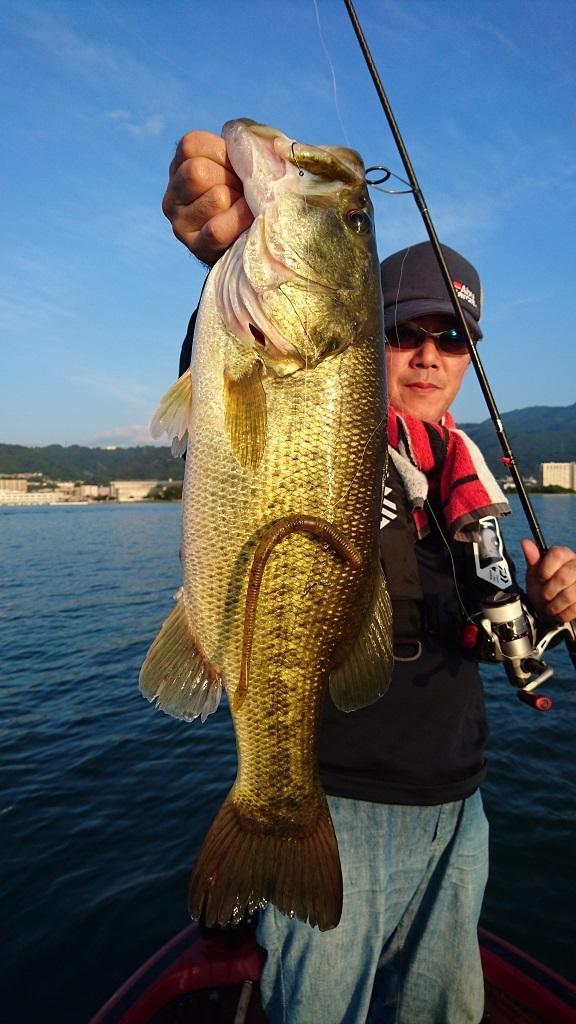 琵琶湖TEST釣行記 【66cm(4570g)をキャッチ!!】_d0145899_11270950.jpg