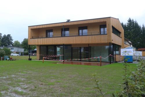 東スイス・西オーストリア研修2:フォアアールベルク州の家1_e0054299_13532119.jpg