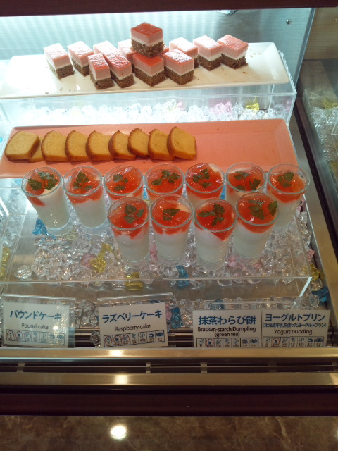 ベッセルイン札幌中島公園 朝食ブッフェ_f0076001_02447.jpg