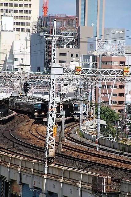 藤田八束の鉄道写真@神戸元町から徒歩5分、花隈城址にて貨物列車の写真撮影・・・貨物列車金太郎に逢う_d0181492_15444824.jpg