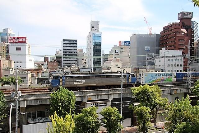 藤田八束の鉄道写真@神戸元町から徒歩5分、花隈城址にて貨物列車の写真撮影・・・貨物列車金太郎に逢う_d0181492_15480977.jpg