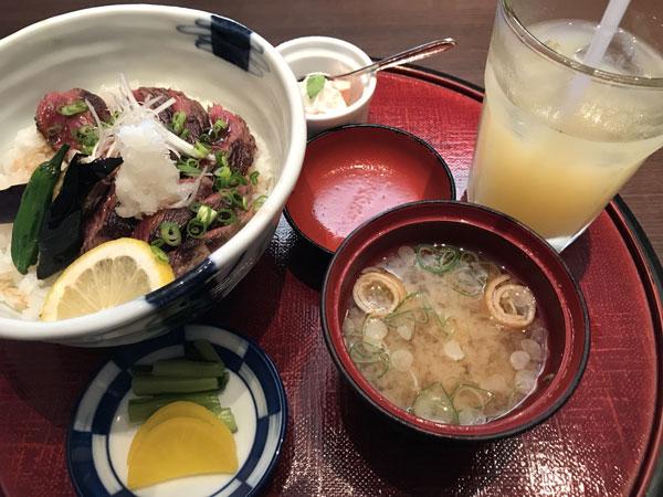 最近ハマっているご飯屋さん♡_d0035921_18225790.jpg