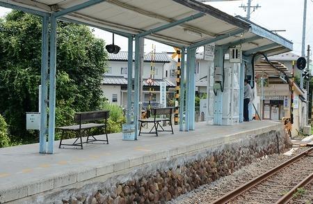 福島交通飯坂線 医王寺前駅_e0030537_01002229.jpg