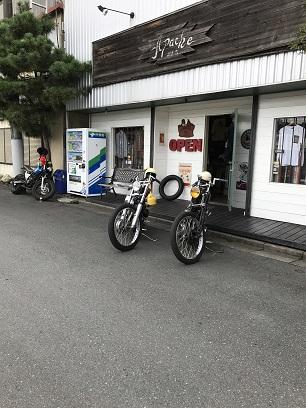 本日のバイク!!_f0194657_17103389.jpg