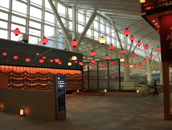 江戸情緒が感じさられる 羽田国際線ターミナル 三タミ_d0202264_0553638.jpg