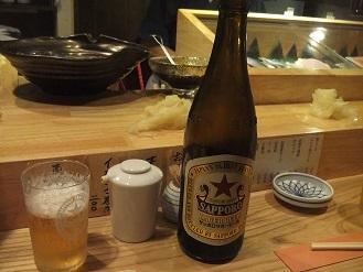 立ち食い寿司を侮ってはイケマセン。狸小路市場の「祭寿司」_f0362073_23293846.jpg