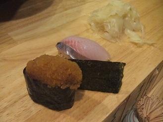 立ち食い寿司を侮ってはイケマセン。狸小路市場の「祭寿司」_f0362073_23341156.jpg