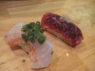 立ち食い寿司を侮ってはイケマセン。狸小路市場の「祭寿司」_f0362073_23350630.jpg