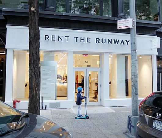 ハーバードで出会った二人のジェニファーがNYではじめた『レント・ザ・ランウェイ』Rent the Runway_b0007805_2041788.jpg