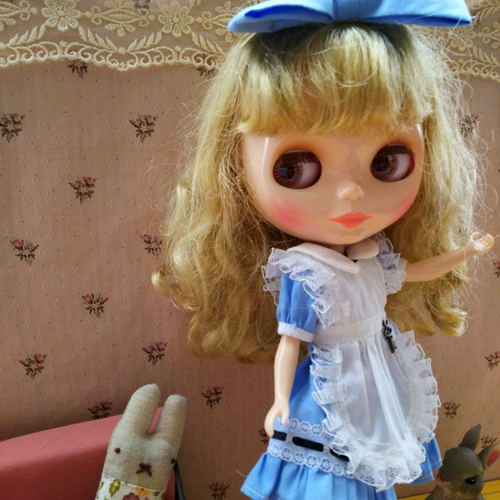 ルナちゃんのアリス服_a0275527_14000589.jpg