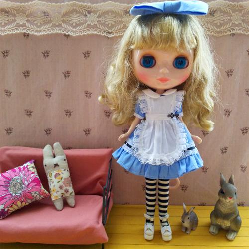 ルナちゃんのアリス服_a0275527_14000601.jpg