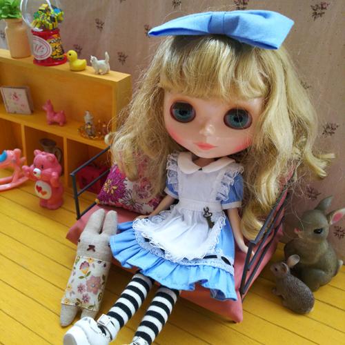ルナちゃんのアリス服_a0275527_14000663.jpg