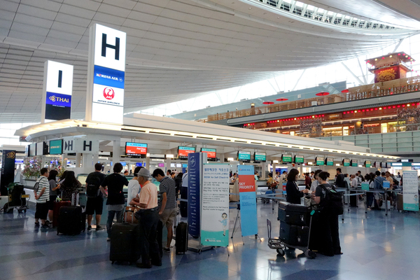 KE2708便と2709便の機内食 サクララウンジとKALラウンジ 2017年8月 ソウルの旅(1)_f0117059_143253.jpg