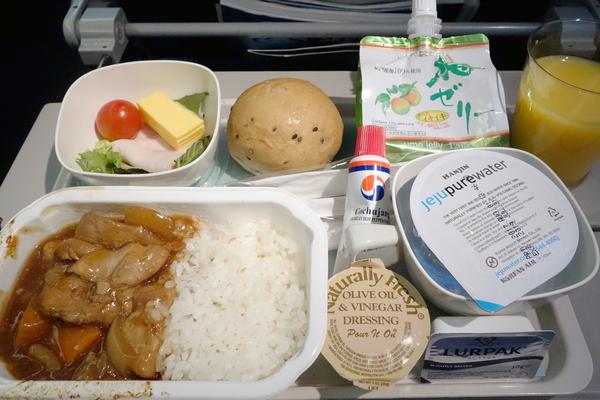 KE2708便と2709便の機内食 サクララウンジとKALラウンジ 2017年8月 ソウルの旅(1)_f0117059_1454659.jpg