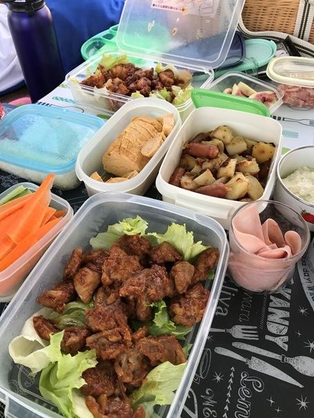 運動会で食べるお弁当は、なぜかおいしいね。_f0009169_06552683.jpg