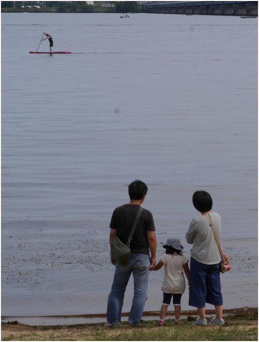 < 琵琶湖大橋 >_c0036080_12174121.jpg