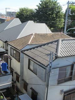 東京都の小平で、屋根修理中に・・・。_c0223192_21510407.jpg
