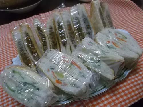 嫁農園の落花生&余った食パンでカレーパン_f0019498_10043697.jpg