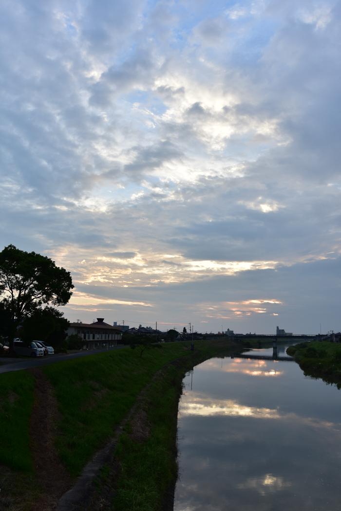 きのうにはきのうの空がある! (*^_^*)_c0049299_18322826.jpg