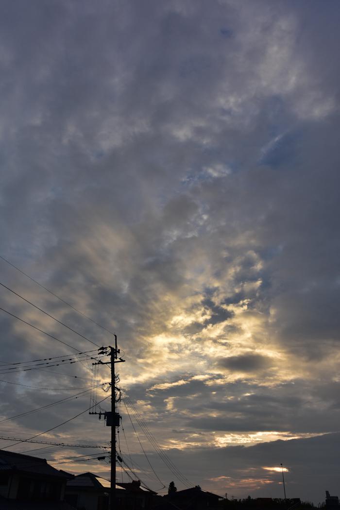 きのうにはきのうの空がある! (*^_^*)_c0049299_18333513.jpg