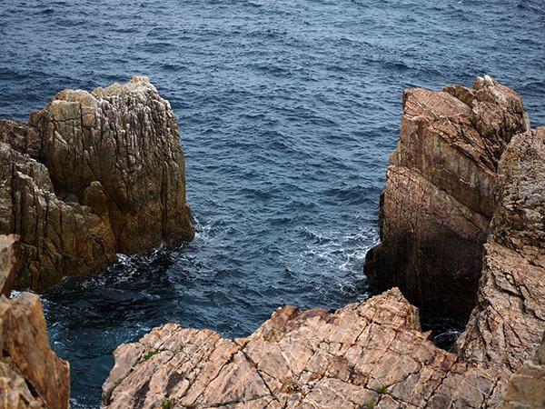 柱状石の奇岩が織りなす隠れた秘境_e0022047_23132654.jpg