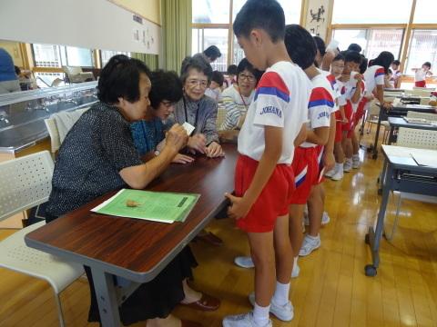 城端小学校で点字の授業_b0159251_11365707.jpg