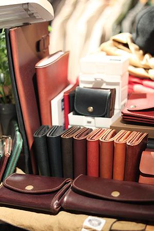 二つ折りのお財布。_e0186470_19431792.jpg