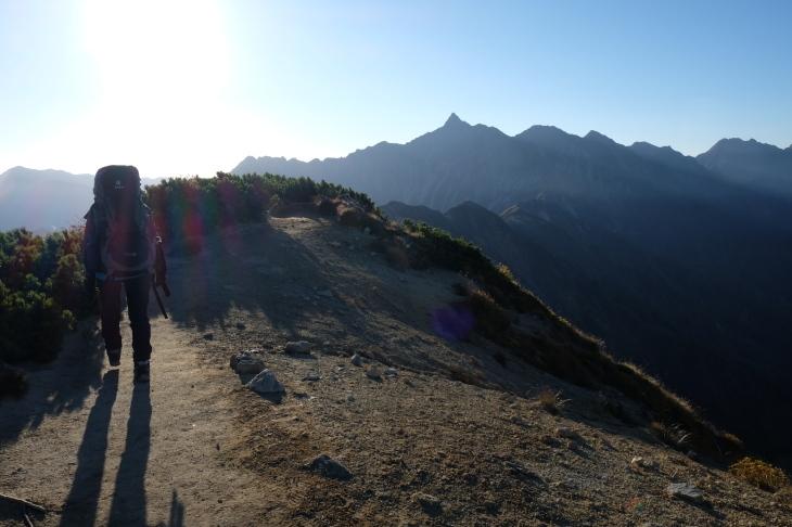 秋の北アルプス 鏡平から西鎌尾根を経て槍ヶ岳へ_e0231387_20564305.jpg