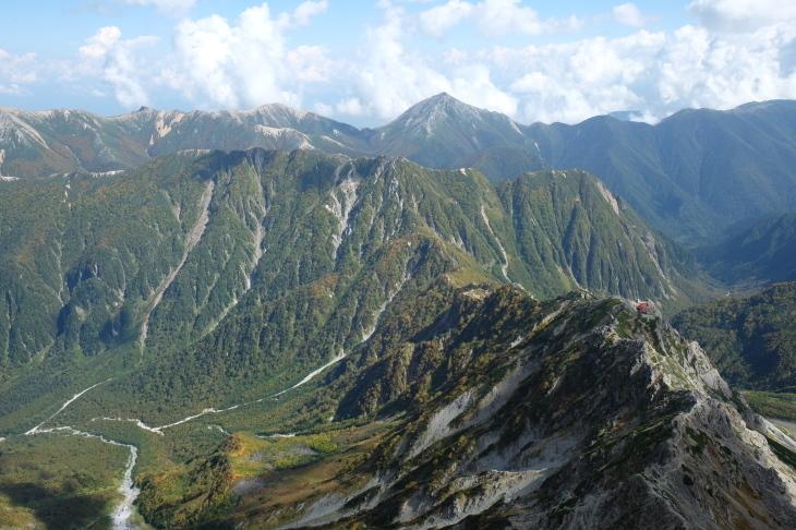 秋の北アルプス 鏡平から西鎌尾根を経て槍ヶ岳へ_e0231387_21092828.jpg