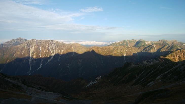 秋の北アルプス 鏡平から西鎌尾根を経て槍ヶ岳へ_e0231387_21134267.jpg