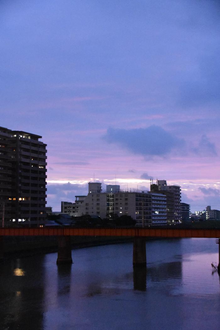 迫る雨雲にあせるぜ (^_^;)_c0049299_22585597.jpg