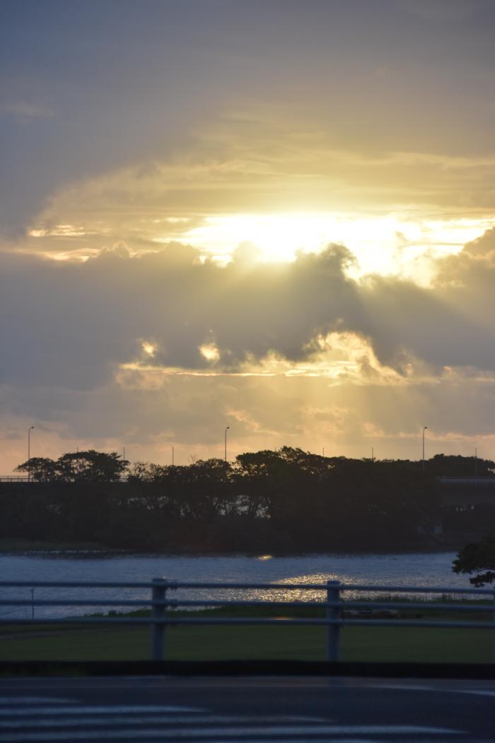 迫る雨雲にあせるぜ (^_^;)_c0049299_23205721.jpg