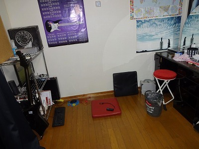 二階のオレの部屋(通称作業部屋)がまた三階へ引っ越し_d0061678_19161821.jpg
