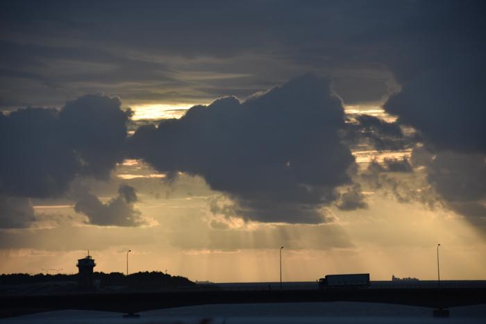 迫る雨雲にあせったぜ (^_^;) _c0049299_17551228.jpg