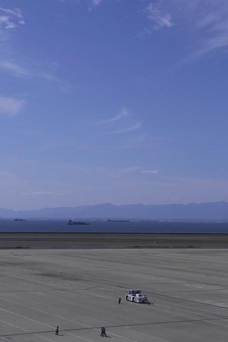 空と遠山と船と虫_e0241944_19512208.jpg