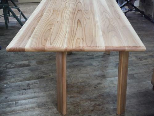 軽量 杉のテーブル_f0206159_19242910.jpg