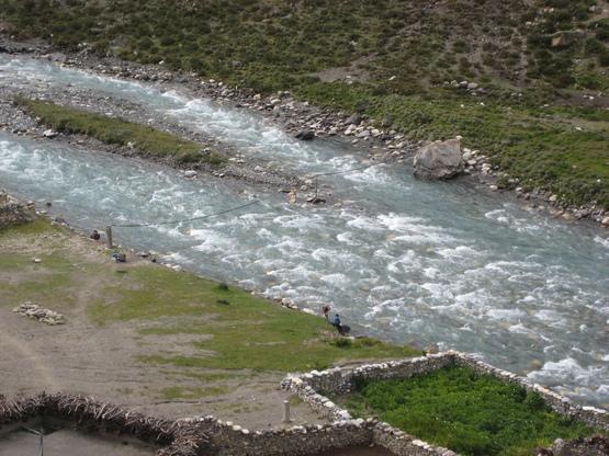 チベット・ヒマラヤの映画を見る会_e0111396_124084.jpg