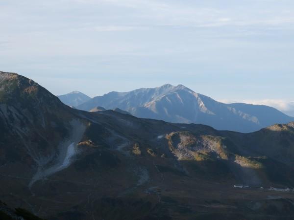 剱御前小舎から見える山_e0271890_15094793.jpg