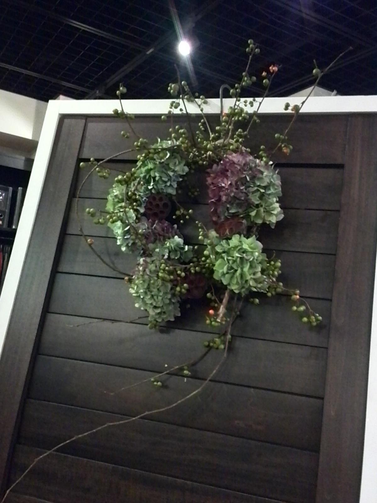 楽しくって美しくって感動! 初めて作った生花のリース♡_f0340942_21245332.jpg