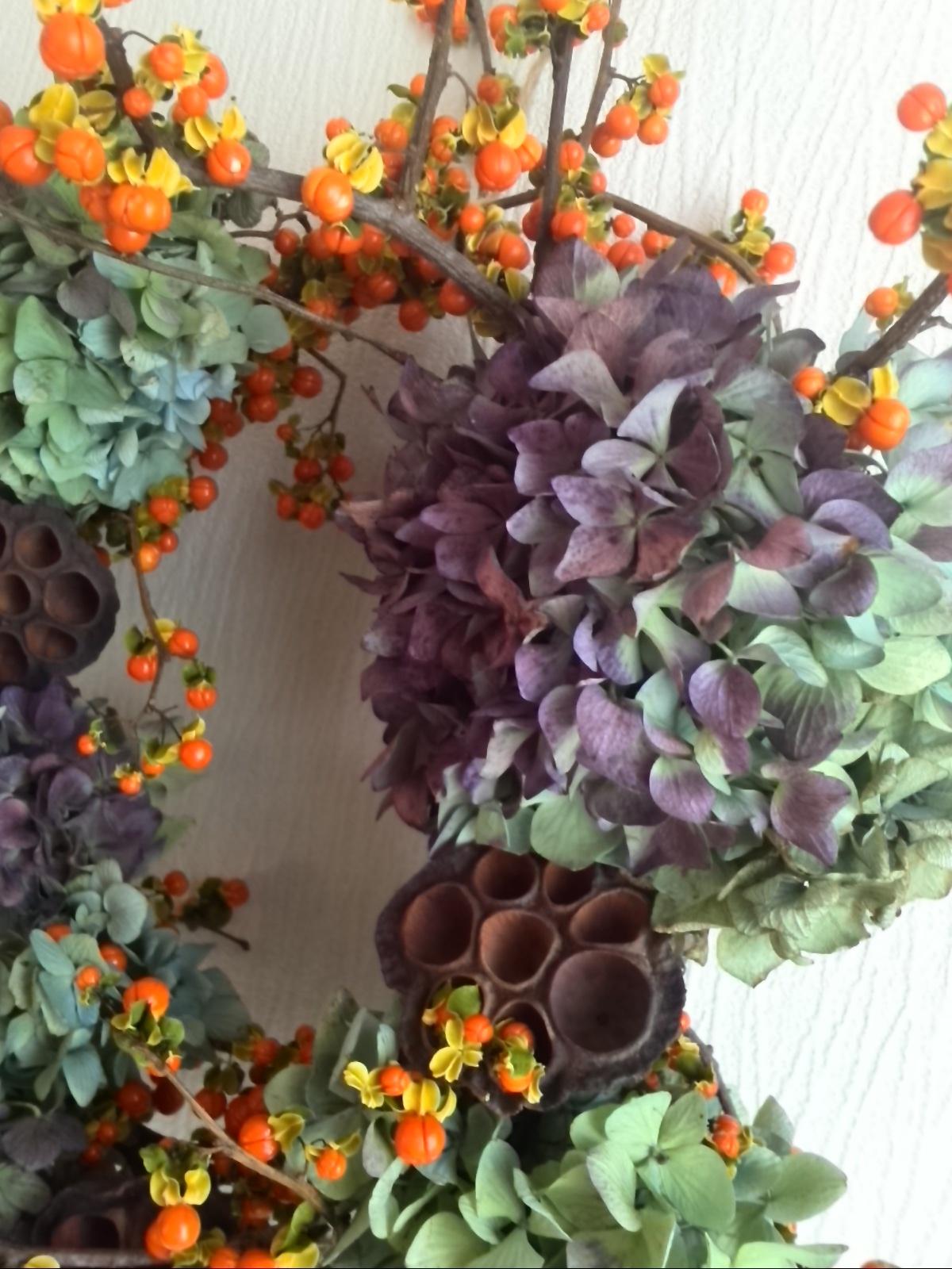 楽しくって美しくって感動! 初めて作った生花のリース♡_f0340942_21503475.jpg