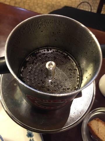 喫茶 1er ぷるみえ (鶏肉ガパオライスにマヨジェノベーゼソース)_e0115904_16024241.jpg