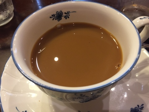 喫茶 1er ぷるみえ (鶏肉ガパオライスにマヨジェノベーゼソース)_e0115904_16085946.jpg