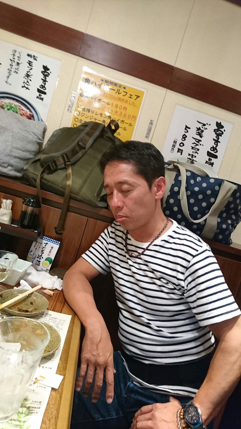 お疲れの大森ヒロシさん_a0163623_23272843.jpg