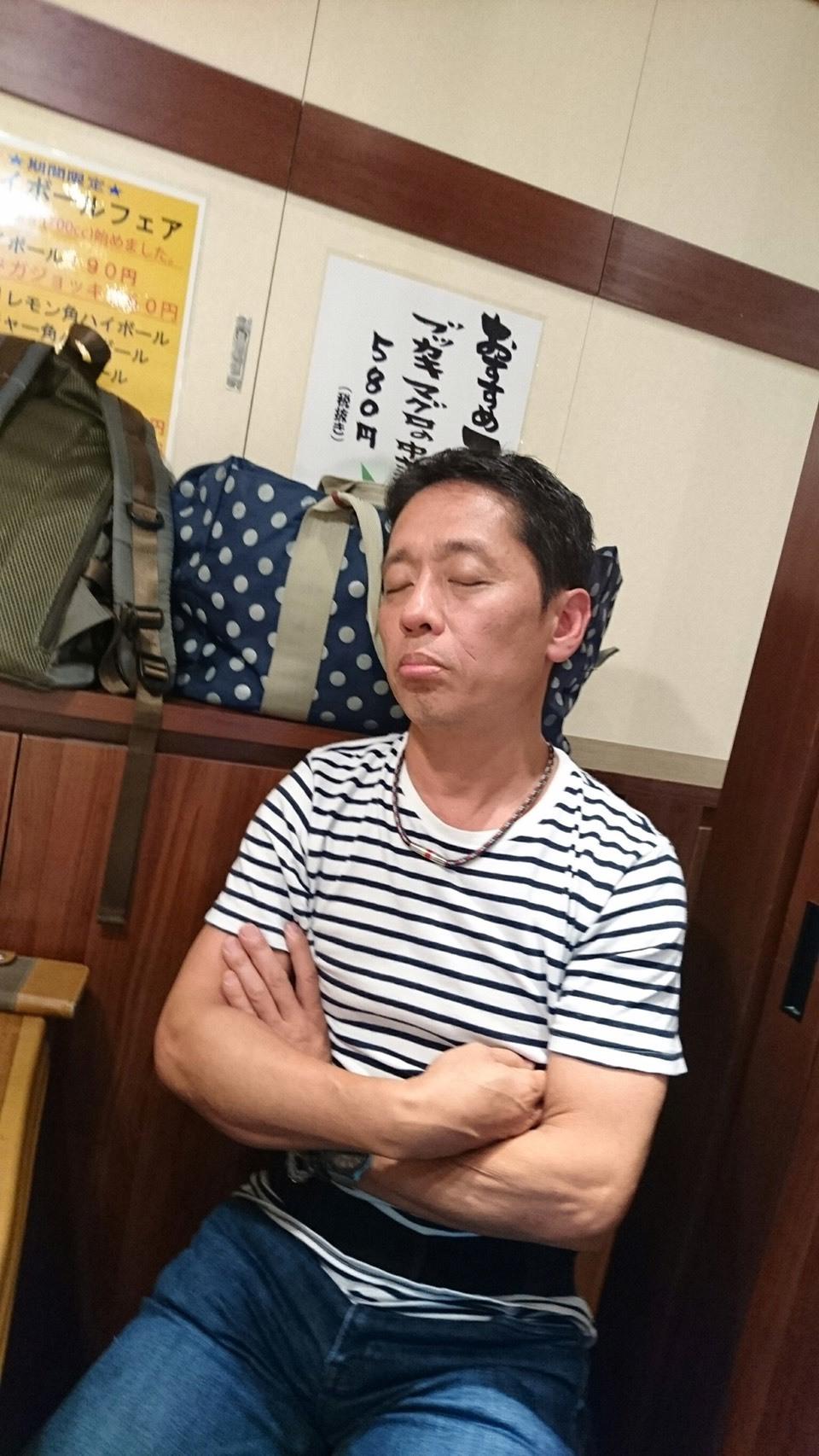 お疲れの大森ヒロシさん_a0163623_23273370.jpg