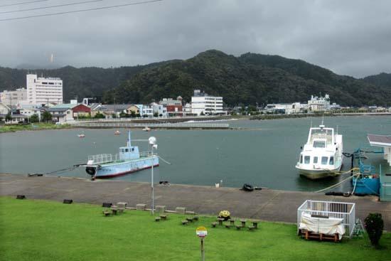 雨の小浜港_e0048413_19495178.jpg