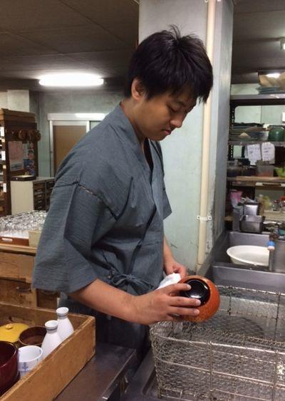 次期社長も皿を洗うのだ_e0234016_19280246.jpg