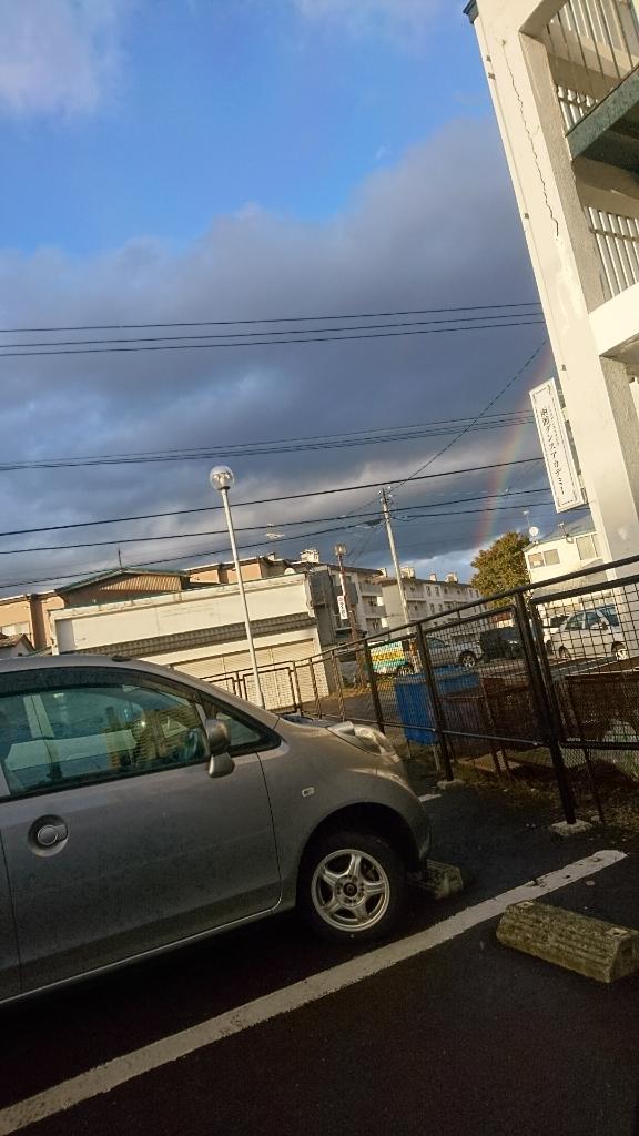 営業の途中で急な雨。しかし、虹が見られて_b0106766_17363413.jpg