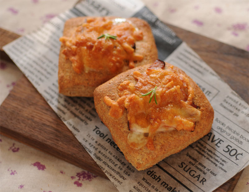 総菜パン (低糖質パン)_c0196673_10184258.jpg