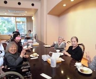 お菓子と紅茶の日_e0163042_15484261.jpg